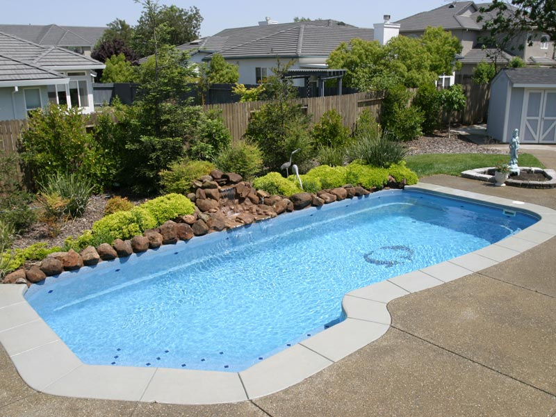 Pool designs inc swimming pool mosaics for your viking for Pool designs yardville nj